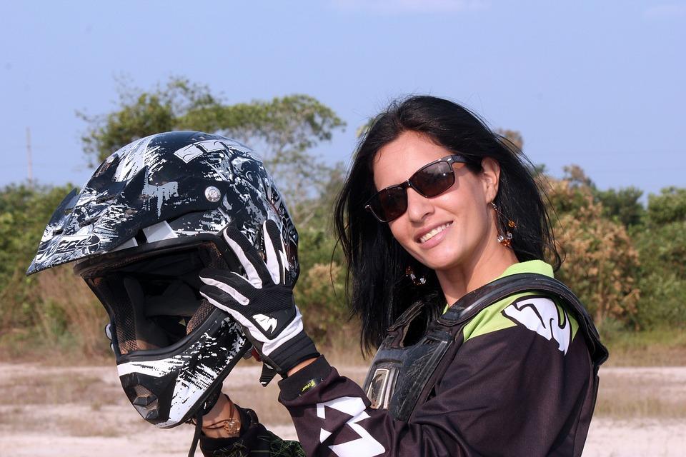 オートバイ 女性