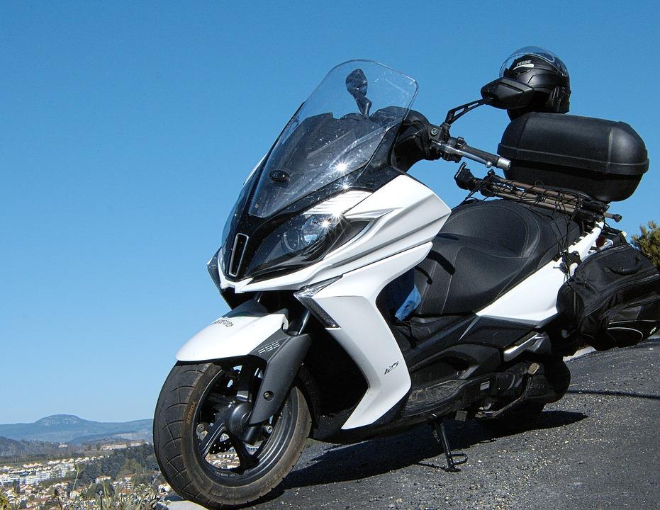 スクーター キムコ ダウンタウン オートバイ 2 つの車輪